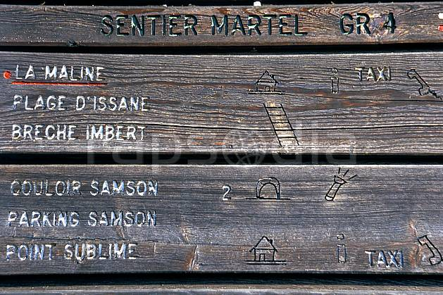 ae2573-28LE : Sentier Martel, Var.  Europe, CEE, panneau, C02, C01 environnement, moyenne montagne (France).