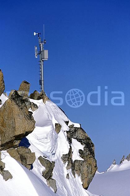 ae2749-15LE : Balise météo.  Europe, CEE, ciel bleu, C02, C01 environnement, moyenne montagne (France).