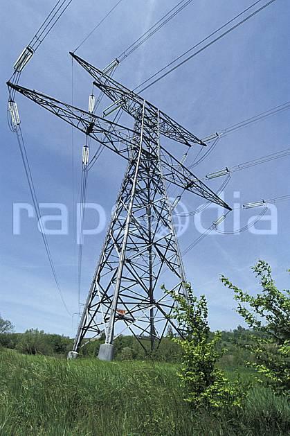 ae2860-36LE : Lignes électriques très haute tension.  Europe, CEE, pilone, C02, C01 environnement, paysage (France).