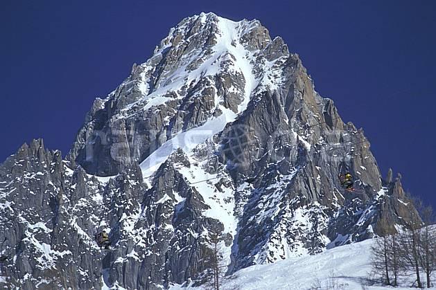 ae2963-13LE : Les Grands-Montets, Chamonix, Haute-Savoie, Alpes.  Europe, CEE, ciel bleu, falaise, C02, C01 environnement, haute montagne, paysage, Annecy 2018 (France).
