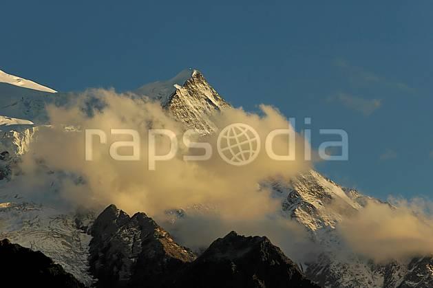 ba042099LE : Aiguille du Goûter, Massif du Mont Blanc, Haute-Savoie, Alpes.  Europe, CEE, glacier, C02, C01 haute montagne, nuage, paysage, Annecy 2018 (France).