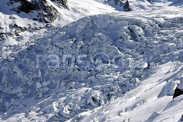 ba050929LE : Séracs du Géant, Massif du Mont Blanc, Haute-Savoie, Alpes.  Europe, CEE, glacier, sérac, crevasse, C02, C01 haute montagne, Annecy 2018 (France).