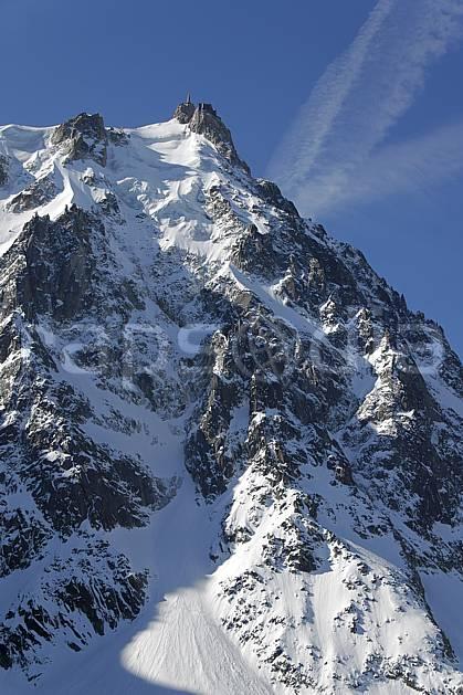ba061176LE : Aiguille du Midi depuis le Plan de l'Aiguille, Face Nord, Massif du Mont Blanc, Haute-Savoie, Alpes.  Europe, CEE, falaise, C02, C01 haute montagne, paysage, Annecy 2018 (France).