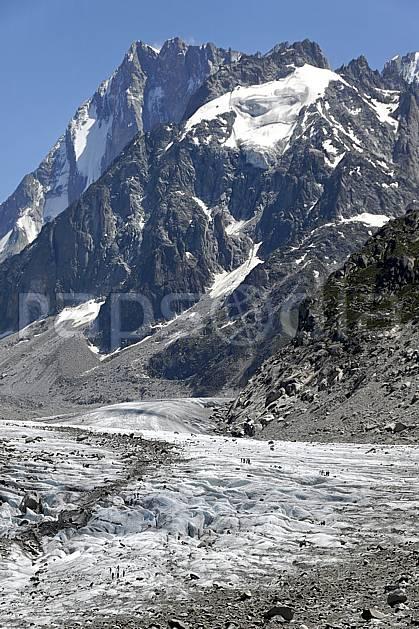 ba062922LE : Mer de Glace et Grandes Jorasses, Haute-Savoie, Alpes.  Europe, CEE, crevasse, glacier, sérac, C02, C01 haute montagne, paysage, Annecy 2018 (France).