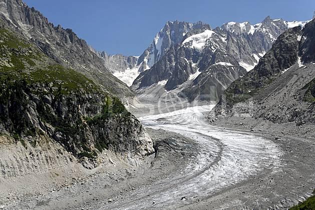 ba062931LE : Mer de Glace et Grandes Jorasses, Haute-Savoie, Alpes.  Europe, CEE, glacier, crevasse, sérac, C02, C01 haute montagne, paysage, Annecy 2018 (France).