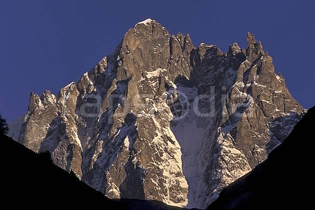 ba0849-07LE : Oisans, Alpes.  Europe, CEE, ciel bleu, falaise, C02, C01 haute montagne, paysage (France).
