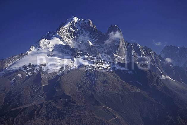 ba0864-07LE : Aiguille Verte, Drus, Massif du Mont Blanc, Alpes.  Europe, CEE, ciel bleu, falaise, C02, C01 haute montagne, paysage (France).