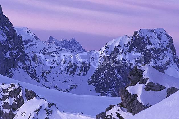 ba0881-26LE : Alpes Suisses, Alpes.  Europe, ciel voilé, coucher de soleil, C02, C01 haute montagne, paysage (Suisse).