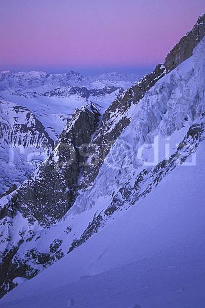 ba0920-04LE : Glacier de la Meije, Oisans, Alpes.  Europe, CEE, pureté, coucher de soleil, aurore, glacier, crevasse, sérac, C02, C01 haute montagne, paysage (France).
