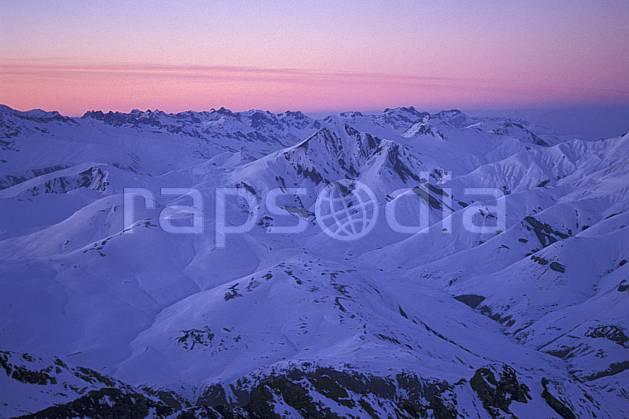 ba0920-06LE : Lever de soleil sur les Alpes depuis la Meije, Oisans, Alpes.  Europe, CEE, pureté, coucher de soleil, aurore, C02, C01 haute montagne, paysage (France).
