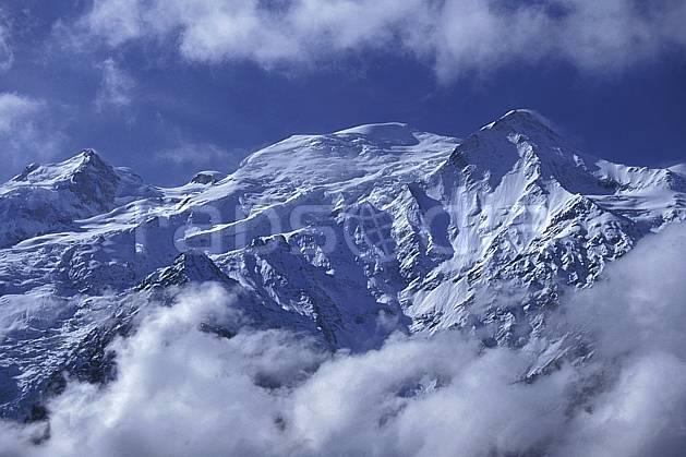 ba0963-07LE : Maudit, Mont Blanc, Haute-Savoie, Alpes.  Europe, CEE, ciel nuageux, glacier, crevasse, sérac, sommet, C02, C01 haute montagne, paysage, Annecy 2018 (France).