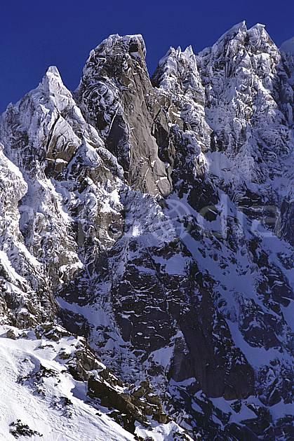 ba1143-13LE : Petite Verte, Aiguille Carrée, Pointes de Segogne, Massif du Mont Blanc, Haute-Savoie, Alpes.  Europe, CEE, arête, ciel bleu, falaise, C02, C01 haute montagne, paysage, Annecy 2018 (France).