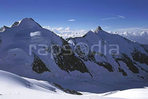 ba2507-06LE : Tré la Tête, Aiguille des Glaciers, Massif du Mont Blanc, Haute-Savoie, Alpes.  Europe, CEE, ciel bleu, arête, C02, C01 haute montagne, paysage, Annecy 2018 (France).