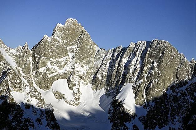 ba3208-03LE : Aiguille de Leschaux et Petites Jorasses, Massif du Mont Blanc, Haute-Savoie, Alpes.  Europe, CEE, falaise, C02, C01 haute montagne, paysage, Annecy 2018 (France).