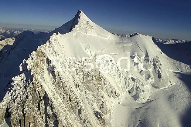 ba3210-01LE : Mont Maudit, Massif du Mont Blanc, Haute-Savoie, Alpes.  Europe, CEE, sommet, glacier, sérac, crevasse, arête, C02, C01 haute montagne, paysage, Annecy 2018 (France).