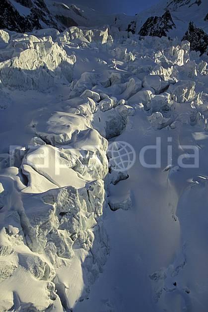 ba3211-02LE : Séracs glacier des Bossons, Massif du Mont Blanc, Haute-Savoie, Alpes.  Europe, CEE, sérac, crevasse, glacier, C02, C01 haute montagne, paysage, Annecy 2018 (France).