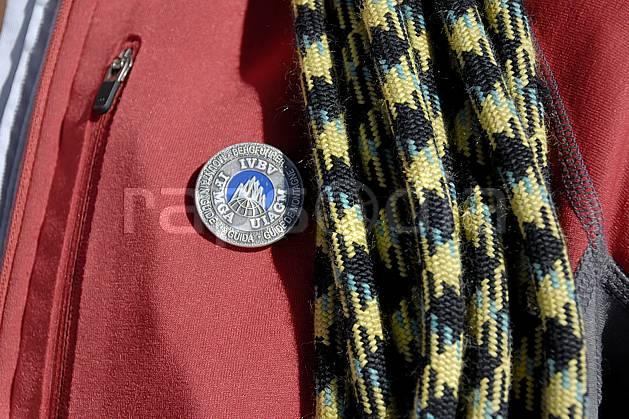 bb063613LE : Médaille de Guide de haute montagne, Alpes.  Europe, CEE, médaille, corde, C02, C01 haute montagne, personnage (France).
