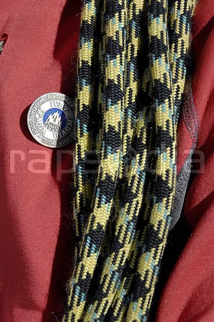 bb063615LE : Médaille de Guide de haute montagne, Alpes.  Europe, CEE, médaille, corde, C02, C01 haute montagne, personnage (France).