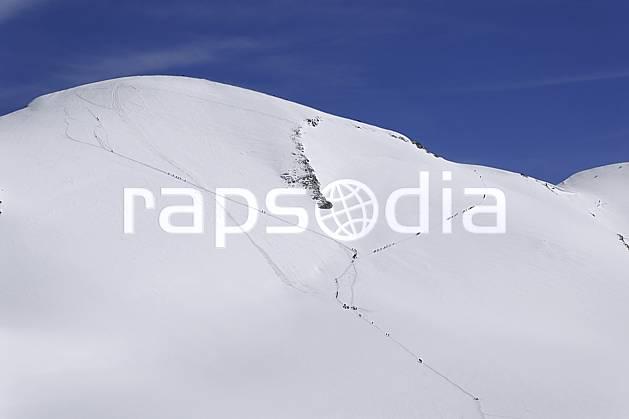 bb072099LE : Cordées d'alpinistes montant au Breithorn, Alpes. alpinisme Europe, CEE, sport, loisir, action, sport extrême, sport de montagne, trace, ascension, C02 haute montagne, paysage, personnage (Italie).