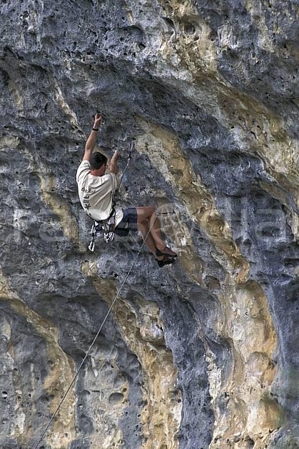 ca0947-01LE : Climbing, Sardaigne, Isili. escalade Europe, CEE, sport, loisir, sport extrême, action, sport de montagne, corde, falaise, surplomb, C02, C01 homme, personnage (Italie).