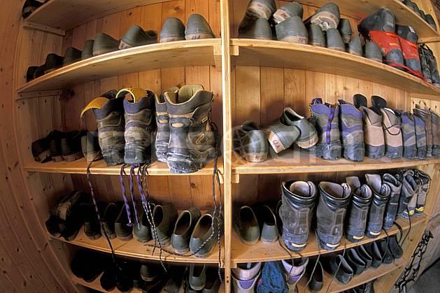 cg2524-20LE : Chaussure, Cabane des Vignettes, Haute Route Chamonix / Zermatt, Alpes. randonnée pédestre Europe, sport, rando, loisir, action, sport de montagne, chaussure, C02, C01 matériel, moyenne montagne (Suisse).
