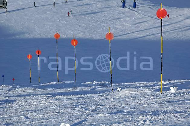 da054607LE : Panneaux de signalisation des pistes, Cerro Catedral, Bariloche, Patagonie. ski de piste Amérique du sud, Amérique Latine, Amérique, sport, loisir, action, glisse, sport de montagne, sport d'hiver, ski, station de ski, piste, C02, C01 environnement, moyenne montagne, paysage, voyage aventure (Argentine).