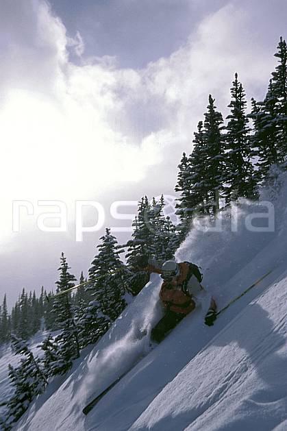 da2381-29LE : Ski-freeride, Marmot Basin, Alberta. ski hors piste Amérique du nord, Amérique, sport, loisir, action, glisse, sport de montagne, sport d'hiver, ski, sport extrême, zen, ciel nuageux, contrejour, délectation, dynamisme, énergie, évasion, gerbe, glisse, plaisir, liberté, mouvement, pente, plaisir, plénitude, poudreuse, ravissement, sapin, trajectoire, vitalité, vitesse, plénitude, C02, C01 arbre, homme, personnage, soleil (Canada).
