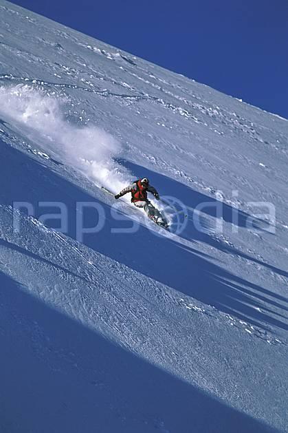 da2384-27LE : Ski-freeride, Marmot Basin, Alberta. ski hors piste Amérique du nord, Amérique, sport, loisir, action, glisse, sport de montagne, sport d'hiver, ski, sport extrême, zen, ciel bleu, délectation, dynamisme, énergie, évasion, gerbe, glisse, grande courbe, plaisir, liberté, mouvement, pente, plaisir, plénitude, poudreuse, ravissement, trajectoire, virage, vitalité, plénitude, C02, C01 homme, personnage (Canada).