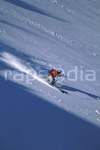 da2384-29LE : Ski-freeride, Marmot Basin, Alberta. ski hors piste Amérique du nord, Amérique, sport, loisir, action, glisse, sport de montagne, sport d'hiver, ski, sport extrême, zen, ciel bleu, délectation, dynamisme, énergie, évasion, gerbe, glisse, grande courbe, plaisir, liberté, mouvement, pente, plaisir, plénitude, poudreuse, ravissement, trajectoire, virage, vitalité, plénitude, C02, C01 homme, personnage (Canada).