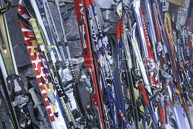 da2819-01LE : Ski de piste, Equipement de ski & snowboard, Alpes. ski de piste Europe, CEE, sport, loisir, action, glisse, sport de montagne, sport d'hiver, ski, bâton de ski, ski, C02, C01 matériel (France).