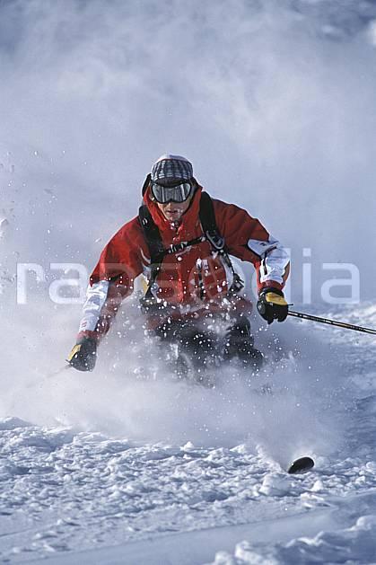 da2914-33LE : Ski-freeride, Snowbird, Utah. ski hors piste Amérique du nord, sport, loisir, action, glisse, sport de montagne, sport d'hiver, ski, sport extrême, gerbe, godille, poudreuse, virage, C02, C01 homme, personnage (Usa).