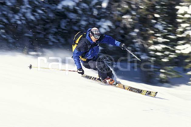 da2942-14LE : Ski, Jackson Hole, Wyoming. ski de piste Amérique du nord, sport, loisir, action, glisse, sport de montagne, sport d'hiver, ski, neige dure, sac à dos, virage, virage coupé, C02, C01 homme, personnage (Usa).