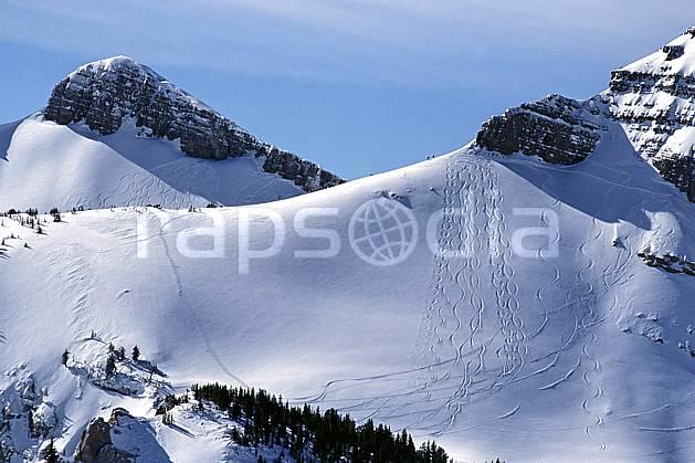 da2945-06LE : Ski-freeride, Jackson Hole, Wyoming. ski hors piste Amérique du nord, sport, loisir, action, glisse, sport de montagne, sport d'hiver, ski, sport extrême, ciel voilé, pente, poudreuse, trace, C02, C01 paysage (Usa).