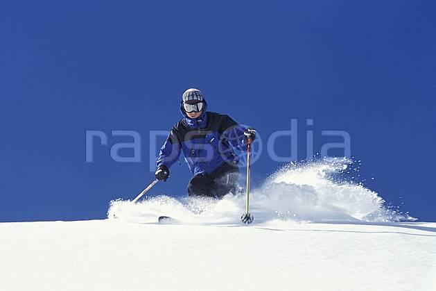 da2945-09LE : Ski-freeride, Jackson Hole, Wyoming. ski hors piste Amérique du nord, sport, loisir, action, glisse, sport de montagne, sport d'hiver, ski, sport extrême, ciel bleu, godille, poudreuse, virage, C02, C01 homme, personnage (Usa).