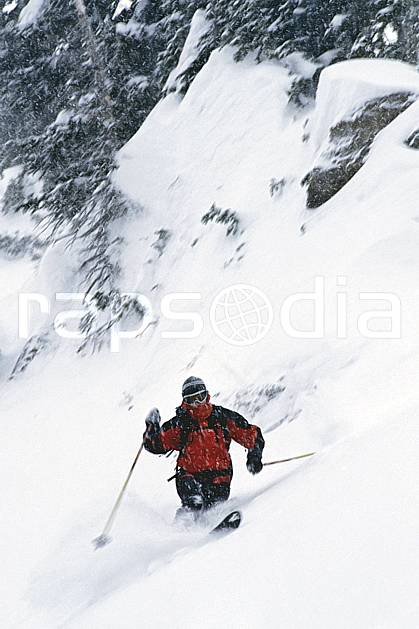 dk2950-16LE : Jackson Hole, Wyoming. ski hors piste,  ski télémark Amérique du nord, sport, loisir, action, glisse, sport de montagne, sport d'hiver, ski, sport extrême, poudreuse, virage, C02, C01 homme, personnage (Usa).