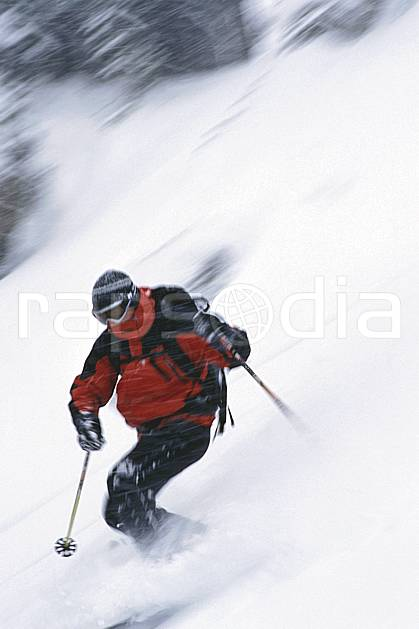 dk2950-17LE : Jackson Hole, Wyoming. ski hors piste,  ski télémark Amérique du nord, sport, loisir, action, glisse, sport de montagne, sport d'hiver, ski, sport extrême, dynamisme, énergie, pente, poudreuse, virage, C02, C01 homme, personnage (Usa).