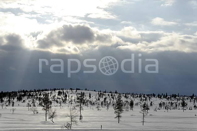 ea061831GE paysage de laponie, Europe, EEC, forest, middle mountain, cloud, landscape, adventure trip (Finland).