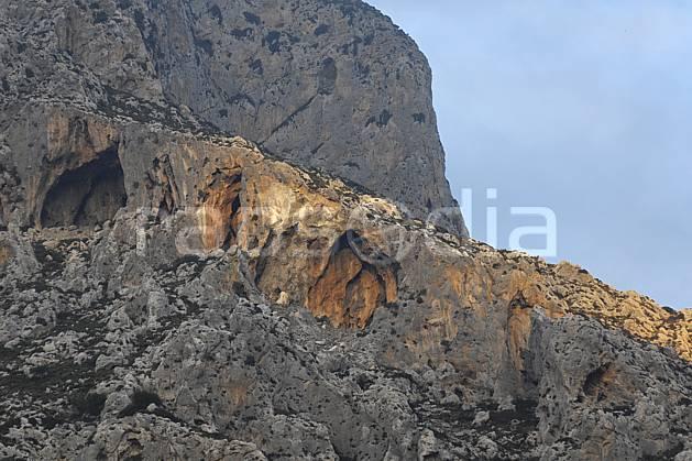 ea063912LE : Ile de Kalymnos, Grotte.  Europe, CEE, île, falaise, C02, C01 paysage, voyage aventure (Grèce).