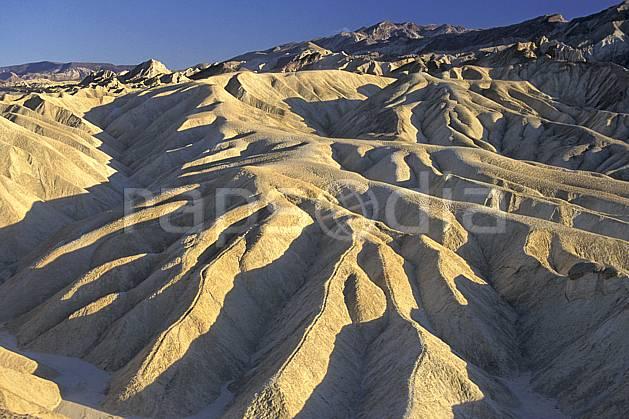 ea0662-29LE : Death Valley, California.  Amérique du nord, ciel bleu, évasion, espace, parc américain, pureté, érosion, C02, C01 désert, paysage, voyage aventure (Usa).