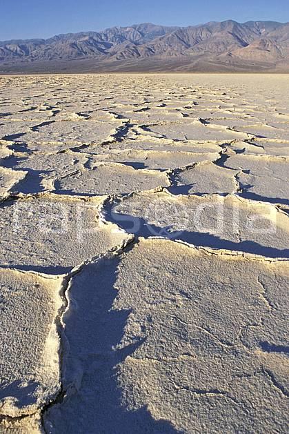 ea0663-10LE : Death Valley, California.  Amérique du nord, ciel bleu, parc américain, C02, C01 désert, paysage, voyage aventure (Usa).