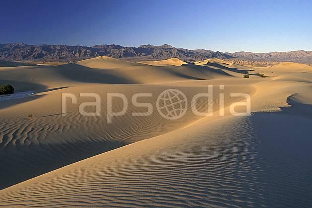 ea0664-15LE : Death Valley, California.  Amérique du nord, ciel bleu, dune, parc américain, C02, C01 désert, paysage, voyage aventure (Usa).