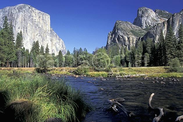 ea0667-27LE : Yosemite National Park, El Capitan, California.  Amérique du nord, ciel bleu, falaise, parc américain, sapin, C02, C01 lac, paysage, voyage aventure (Usa).
