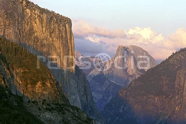 ea0668-26LE : Yosemite National Park, California.  Amérique du nord, ciel nuageux, falaise, parc américain, C02, C01 paysage, voyage aventure (Usa).