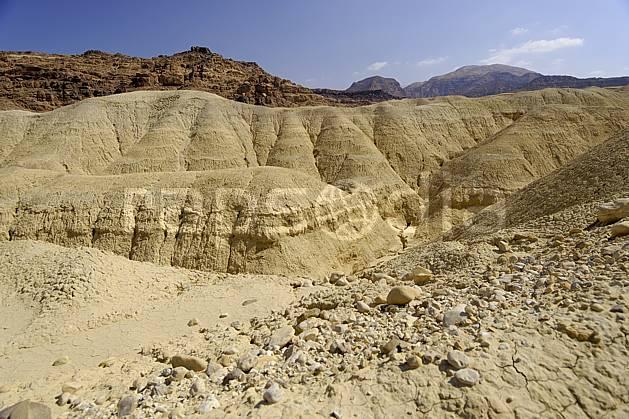 ea070530LE : Réserve naturelle de Mujib, près de la Mer Morte.  Moyen Orient, pierre, pierrier, C02 désert, moyenne montagne, paysage, voyage aventure (Jordanie).