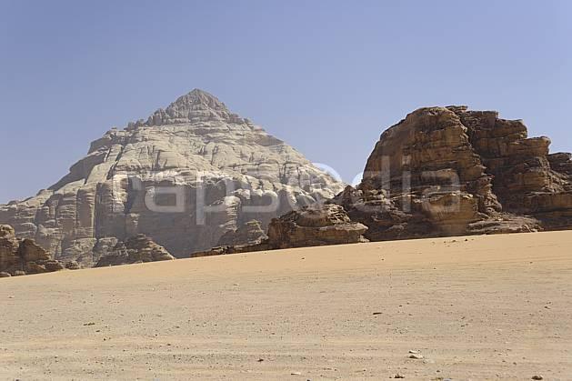 ea071213LE : Désert du Wadi Rum.  Moyen Orient, falaise, C02 désert, moyenne montagne, paysage, voyage aventure (Jordanie).