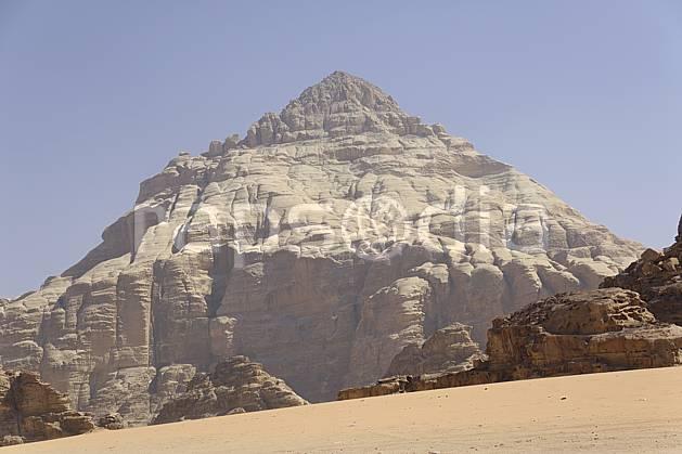ea071214LE : Désert du Wadi Rum.  Moyen Orient, falaise, C02 désert, moyenne montagne, paysage, voyage aventure (Jordanie).
