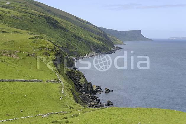 ea071762LE : Torr Head, Murlough Bay, Ulster (Irlande du Nord).  Europe, CEE, mur, littoral, pierre, C02 mer, paysage, voyage aventure (Irlande Royaume-Uni).