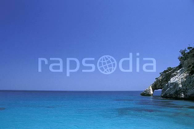 ea0949-30LE : Cala Golonitzé, Sardaigne.  Europe, CEE, littoral, ciel bleu, C02, C01 paysage, voyage aventure, mer (Italie).