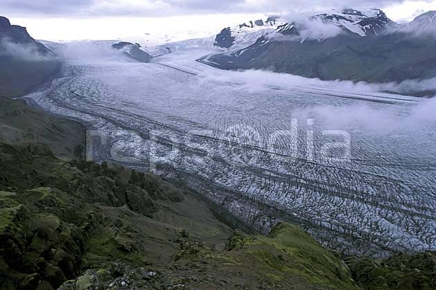 ea1031-29LE : Glacier Skaftafell.  ONU, OTAN, ciel voilé, glacier, C02, C01 paysage, voyage aventure (Islande).