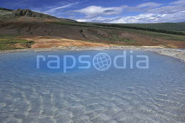 ea1040-01LE : Geyser.  ONU, OTAN, ciel nuageux, geyser, C02, C01 lac, paysage, voyage aventure (Islande).